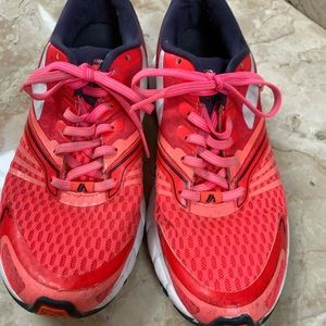 Brooks Launch Women's 6.5 Pink